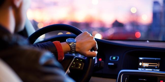 Comment décrocher un crédit auto quand on est intérimaire ?